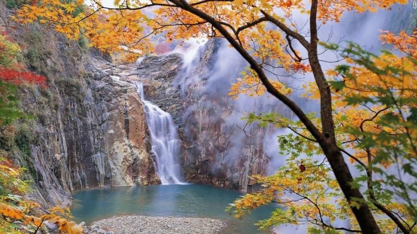 160517151252-tohoku-torigoe-no-taki-falls-super-169